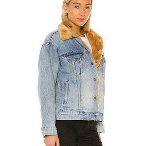 *LAST 1*Levis Oversized Fur Trucker Jean Jacket XS